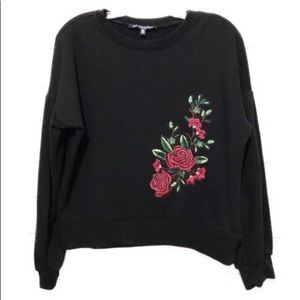 One ❤️ Cropped Embroidered Floral Sweatshirt M U8
